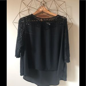 Black 2x top with black lace